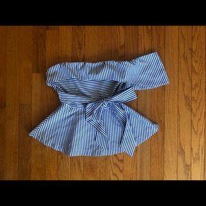 Tops - White/blue stripped peplum top😍